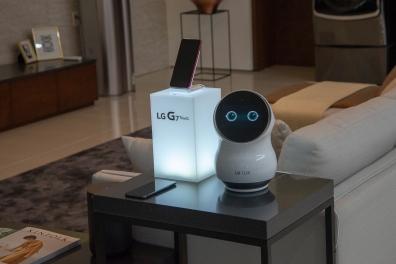 LG-CLOi-robots-hero